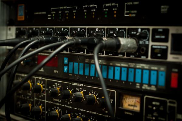 Interface audio avec entrées et sorties XLR